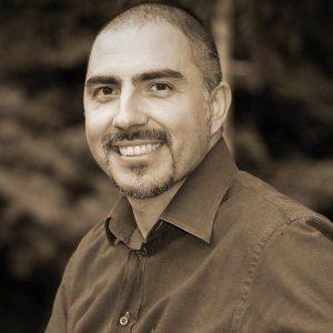 Francesco De Nobili docente universitario ed esperto in ricerca e formazione nel digital marketing integrato
