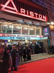 Teatro Ariston durante la prima serata del Festival di Sanremo