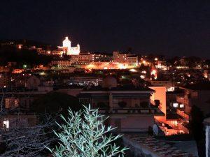 Panorama dall'alto della città di Sanremo