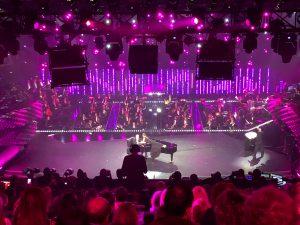 Baglioni e Virginia Raffaele in una esibizione al Festival di Sanremo